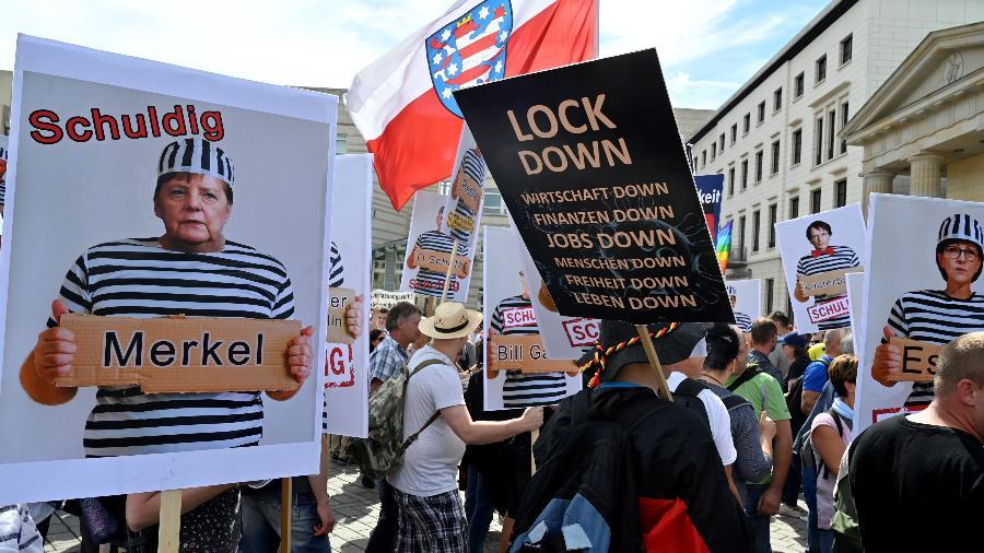 Negacionistas protestam contra restrições para o combate à pandemia do novo coronavírus em Berlim, na Alemanha (John Macdougall/AFP)