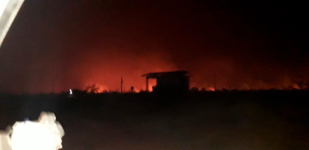 Indígenas Bororo, da terra Tereza Cristina, viram o fogo cercar três aldeias. Pessoas precisaram sair para outras terras e um líder foi transferido por problemas respiratórios (Estévão Bororo)