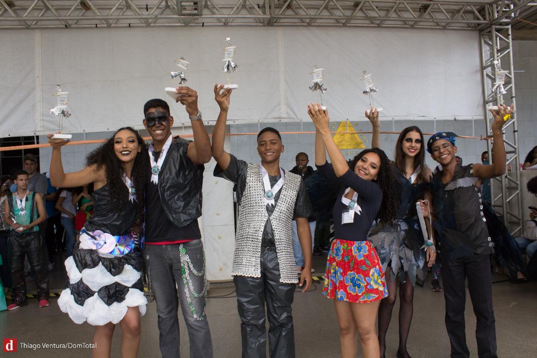 Vencedores ganharam troféus produzidos pelo artista plástico Maurício Melo