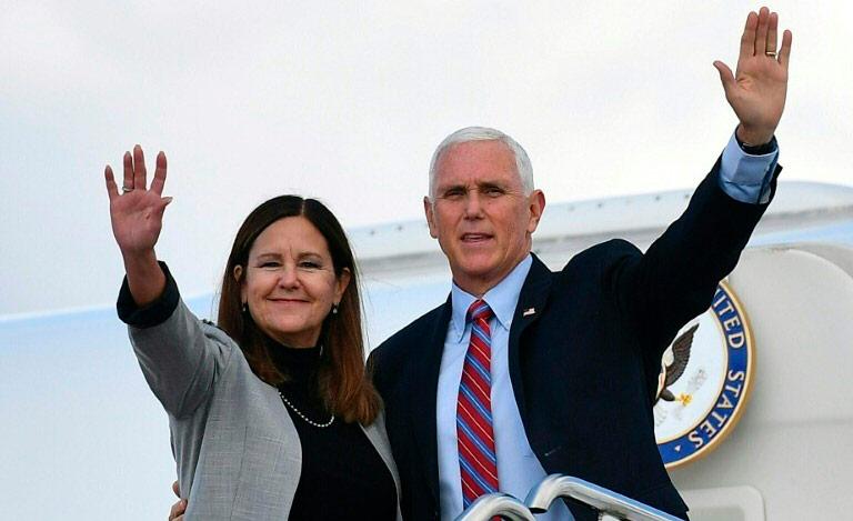 Vice-presidente Mike Pence e sua mulher, Karen (Mandel Ngan/AFP)