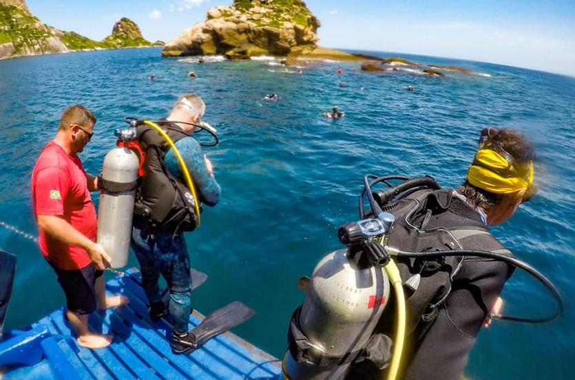 Alcatrazes foi a mais recente UC federal a regulamentar o mergulho (João Andreoli)