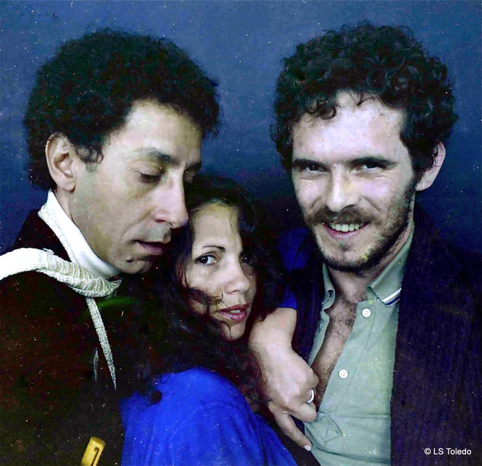 Vania Toledo entre o escritor Luiz Carlos Dolabella Chagas e o jornalista Marco Lacerda (São Paulo, 1984)
