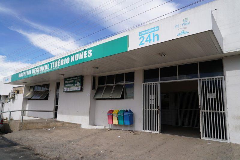 Ministra Damares visitou hospital propagandeado como milagre de cura pela cloroquina por grupos bolsonaristas. Diretoria do próprio hospital negou versões (Ascom/Sesapi)